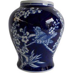 Vaso-de-Porcelana-Azul-e-Branco-Cherry-Flowers-Urban