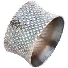 Conjunto-de-4-Aneis-para-Guardanapos-em-Aluminio-Dourado-e-Preto-2195-Lyor