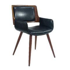 Cadeira-de-Jantar-em-Courino-Preto-Bavaria-ByArt-079136.jpg
