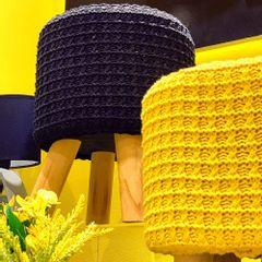 Puff-de-Madeira-com-Crochet-Amarelo-Urban-amb